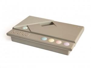 1280px-Atari_XEGS